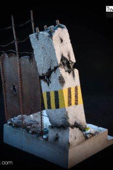 Base & Scene 1/12 Scale Cột Tường Sập
