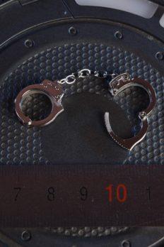 Còng tay 1/6 18XG21 có thể mở và đóng