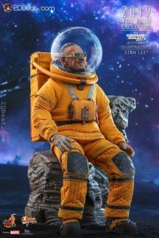 Mô Hình Chính Hãng 1/6 Hot Toys STAN LEE MMS545 Guardian of Galaxy Vol. 2