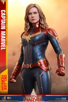 Hot Toys MMS522 Captain Marvel Deluxe Version 1/6 scale