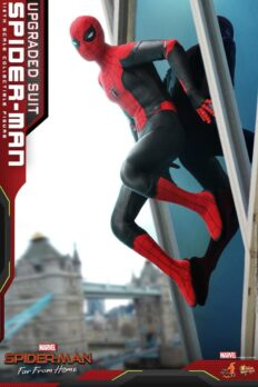 Hot Toys MMS542 Spider-Man: Far From Home 1/6 Scale